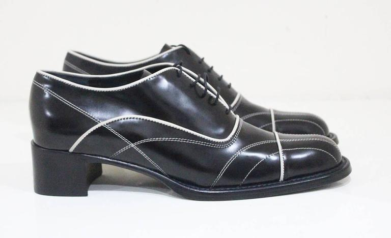 Prada lace up black leather brogues with contrast stitch sz 38.5, c.1990s 4