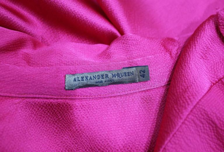 Alexander McQueen fuchsia pink silk evening blouse, c. 2008  In Good Condition For Sale In London, GB