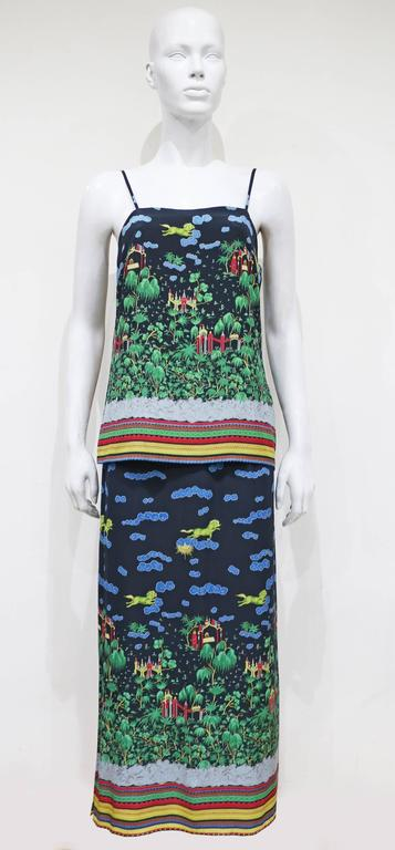 Murray Arbeid tiered silk dress with Oriental print, c. 1970s In Excellent Condition For Sale In London, GB