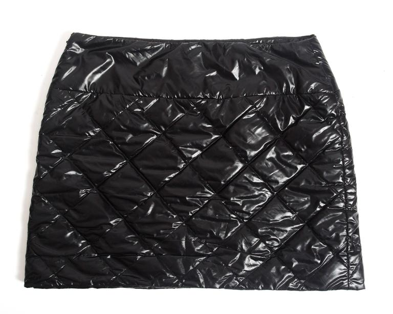Women's Chanel quilted nylon mini skirt, circa 2006 For Sale