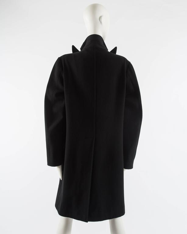 Maison Martin Margiela Autumn-Winter 1996 oversized coat with exaggerated collar For Sale 2