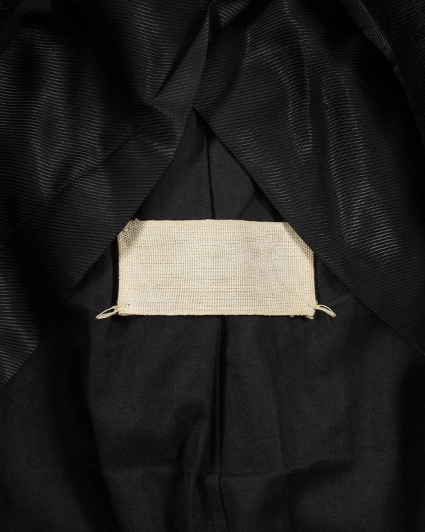 Black Maison Martin Margiela Autumn-Winter 1996 oversized coat with exaggerated collar For Sale