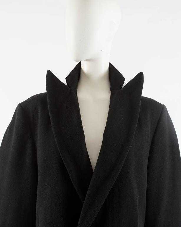 Women's or Men's Maison Martin Margiela Autumn-Winter 1996 oversized coat with exaggerated collar For Sale