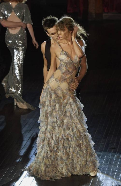 Alexander McQueen Spring-Summer 2004 'Deliverance' silk chiffon evening gown For Sale 1