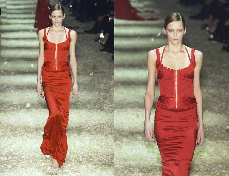 Tom Ford for Gucci Autumn-Winter 2003 red silk corseted evening gown  3