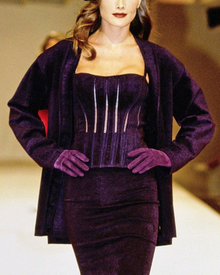 Alaia Autumn-Winter 1991 plum corset vest In Good Condition For Sale In London, GB