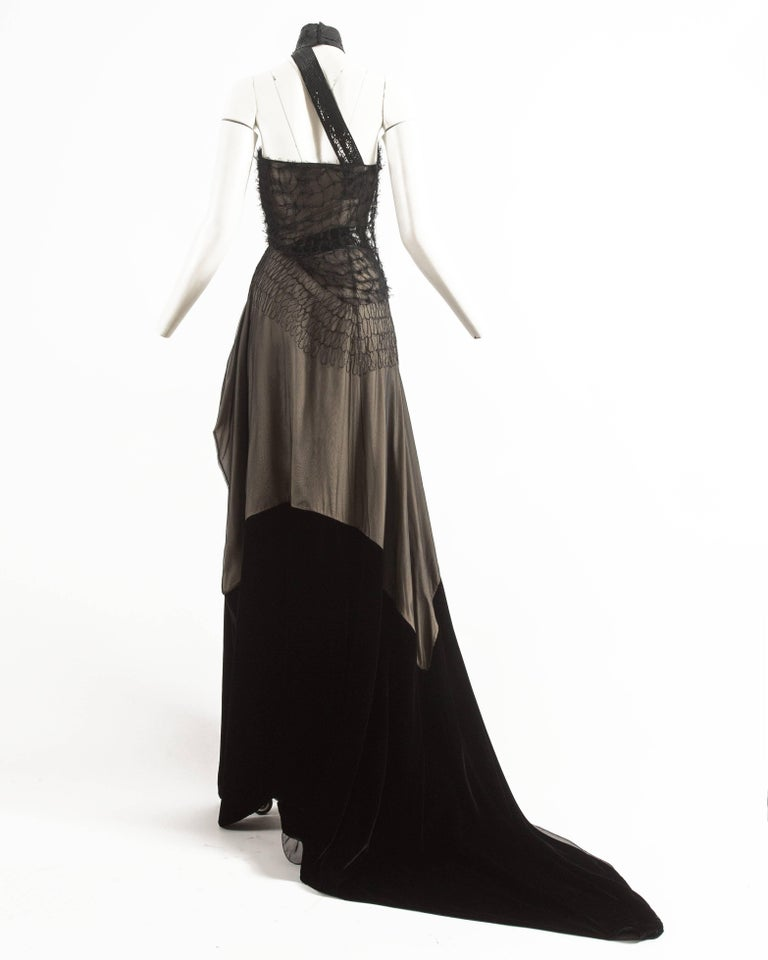 Gianfranco Ferre Autumn-Winter 1999 halter neck evening gown with velvet train For Sale 2