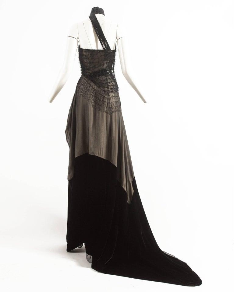 Gianfranco Ferre Autumn-Winter 1999 halter neck evening gown with velvet train 7