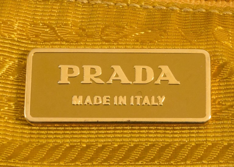 Prada leather, canvas and nylon crossbody bag For Sale 4