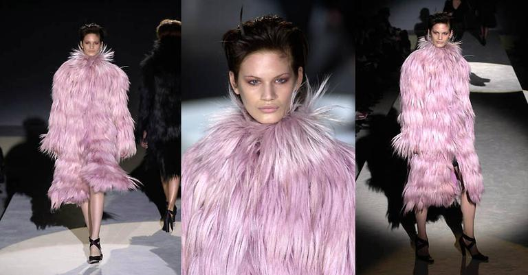 Important and rare Tom Ford for Gucci runway pink fur coat, Fall 2001 2