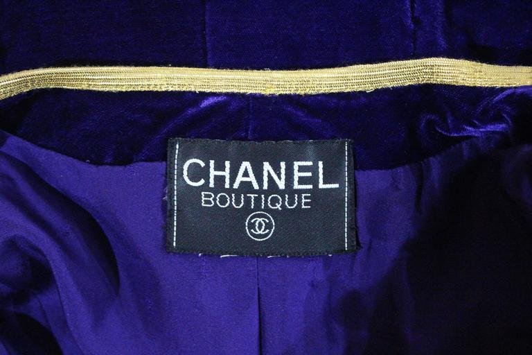 Exceptional Chanel purple velvet pant suit, Fall 1993  For Sale 3