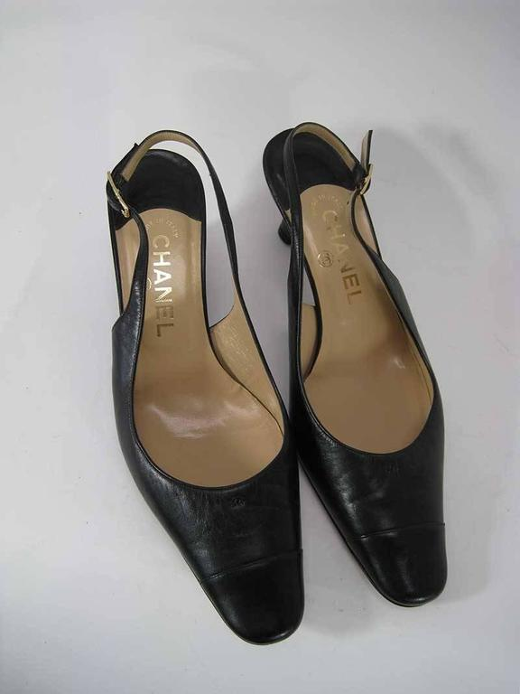 Chanel Black Leather Mid Heel Slingback Heels In Fair Condition For Sale In San Francisco, CA