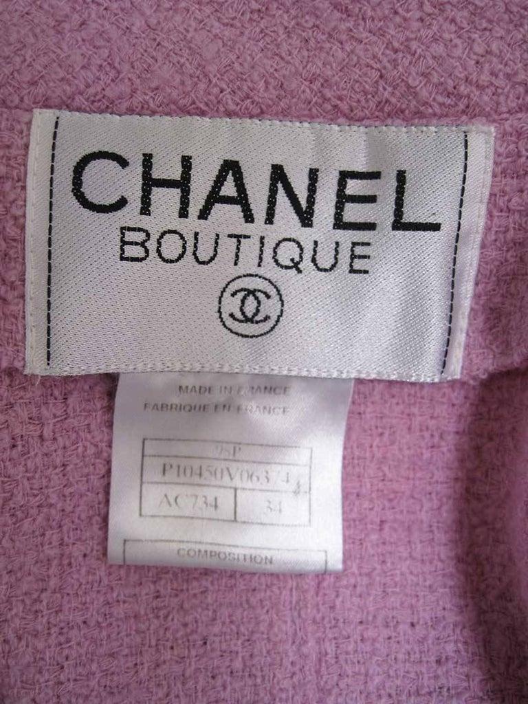 Chanel Boutique Lavender Wool Boucle Suit 7