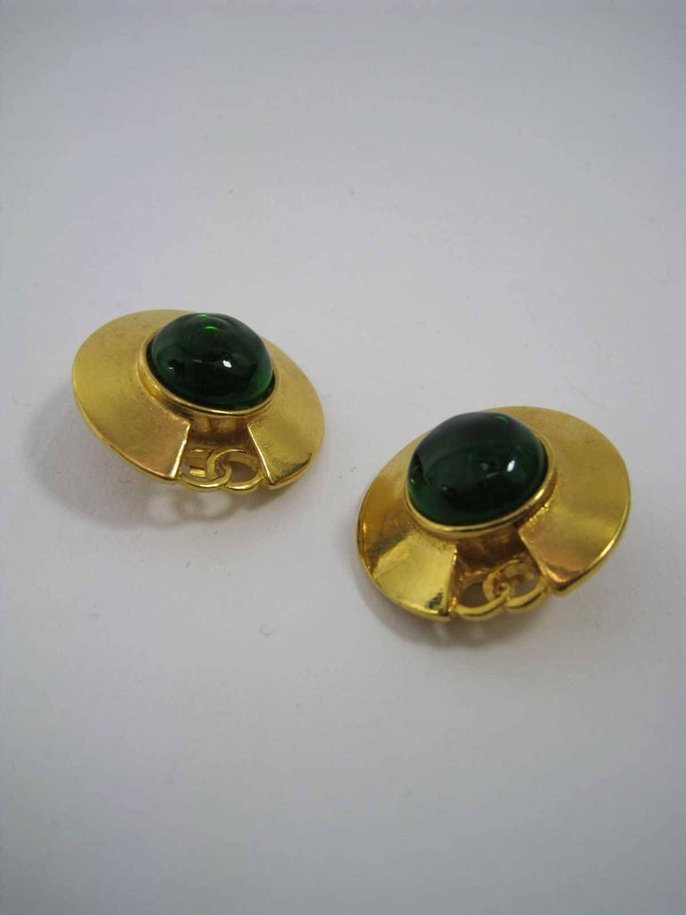 Vintage Chanel CC Saucer Earrings w Green Glass  In Good Condition For Sale In San Francisco, CA