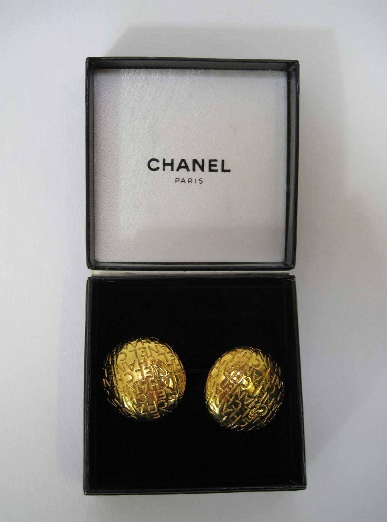 Vintage Chanel Logo Lettering Round Earrings For Sale 1