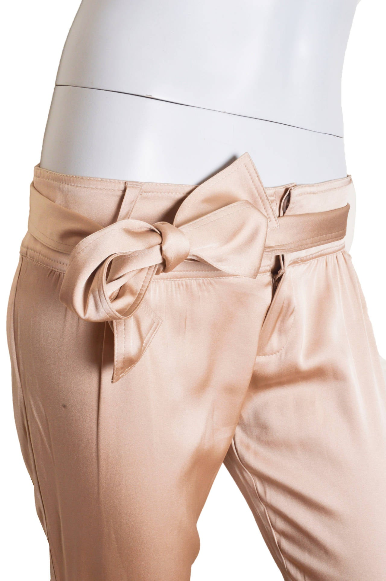 Women's Gucci Champagne Silk Pencil Leg Trousers For Sale