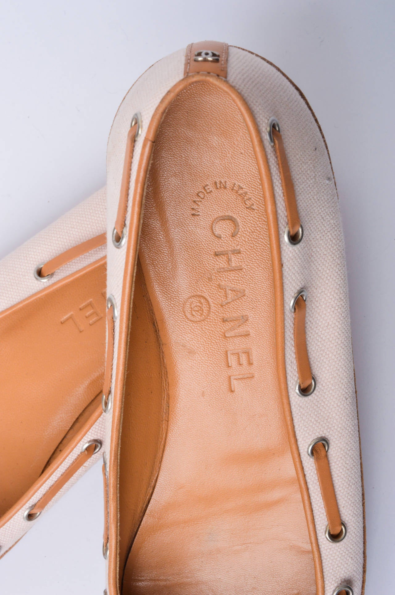 Women's Chanel Pink & Tan Canvas & Leather Ballet Flats Size 37 For Sale