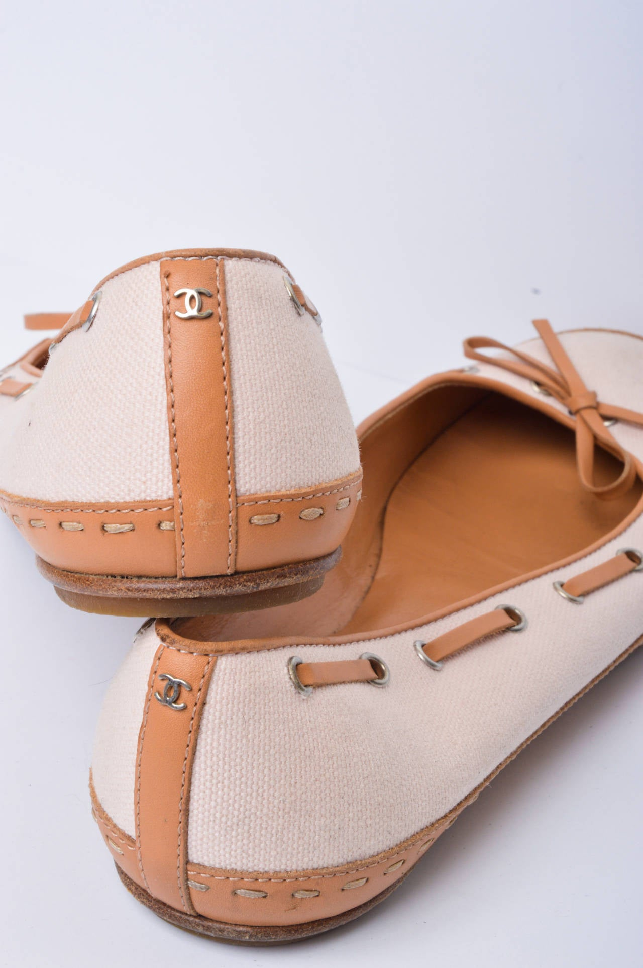 Orange Chanel Pink & Tan Canvas & Leather Ballet Flats Size 37 For Sale