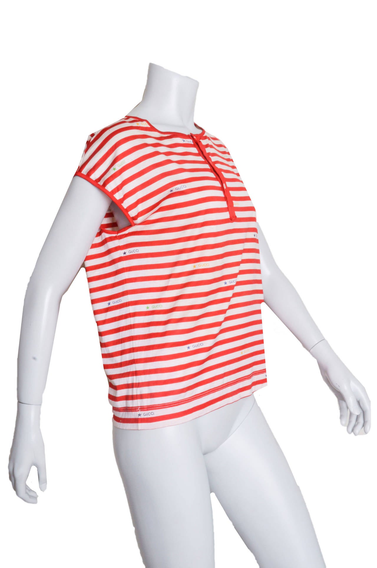 Beige Gucci Red & White Striped Logo T-Shirt For Sale