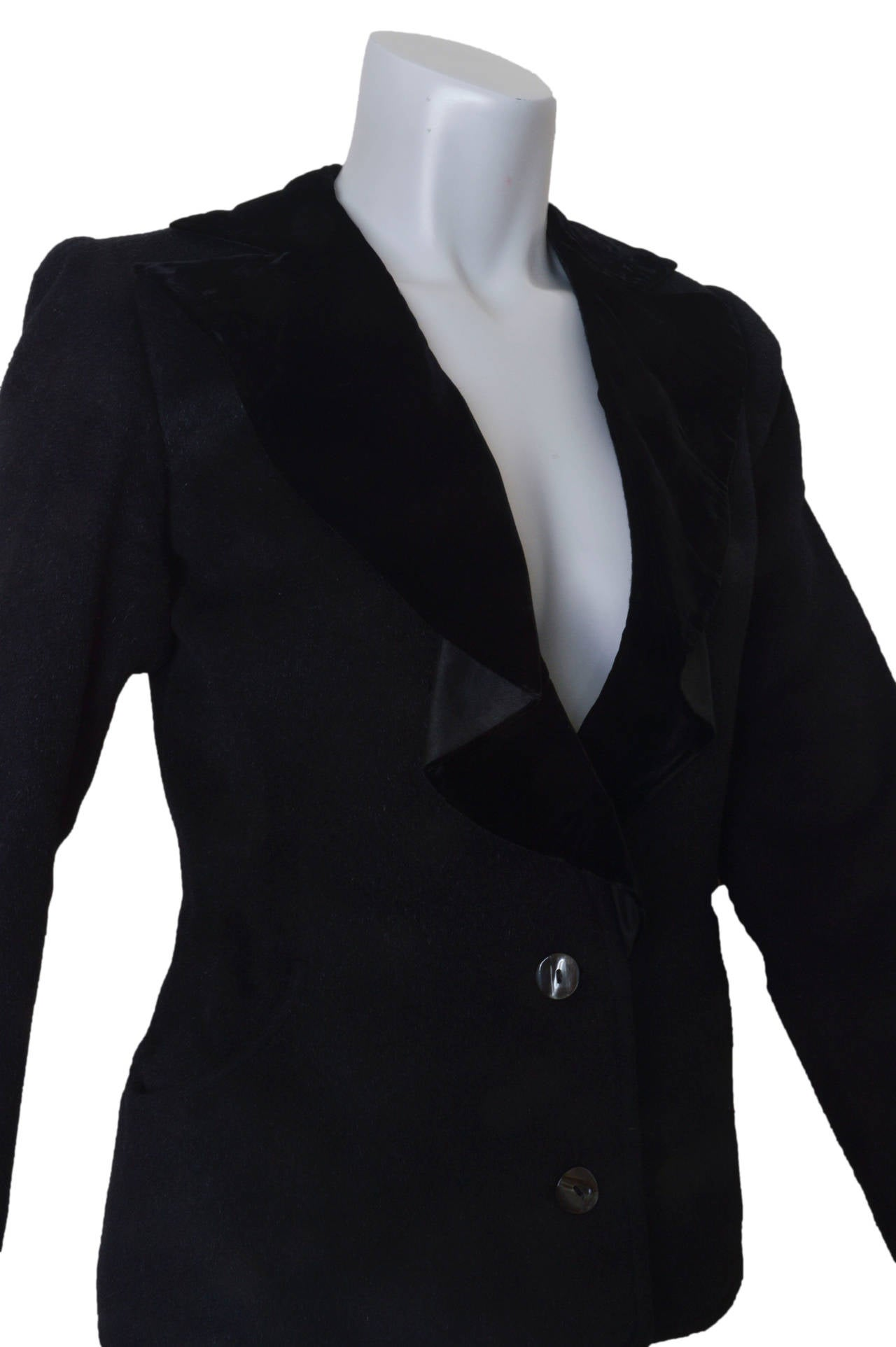 Yves Saint Laurent Rive Gauche Black Wool and Velvet Blazer In Excellent Condition For Sale In San Francisco, CA