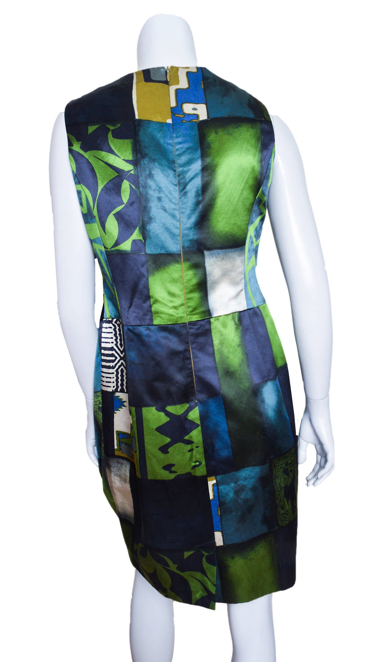 Etro Geometric Print Satin Dress with Medallion Belt In Excellent Condition For Sale In San Francisco, CA