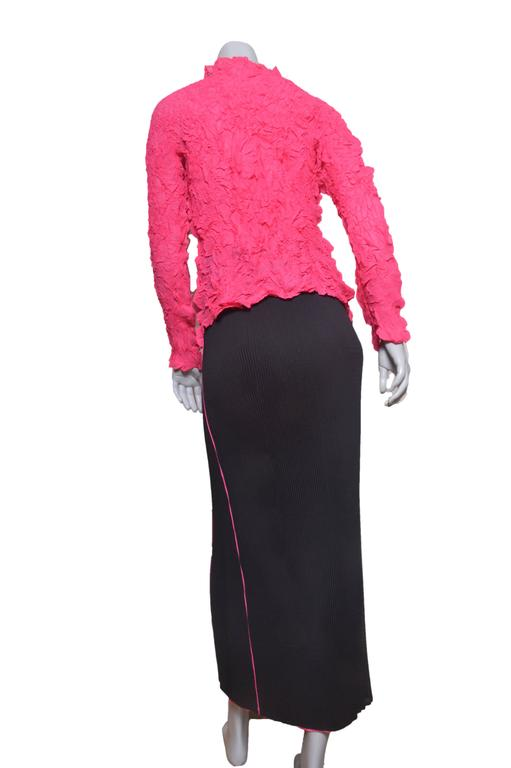 Issey Miyake Crinkled Hot Pink Blouse w Black Pleated Skirt Set For Sale 1