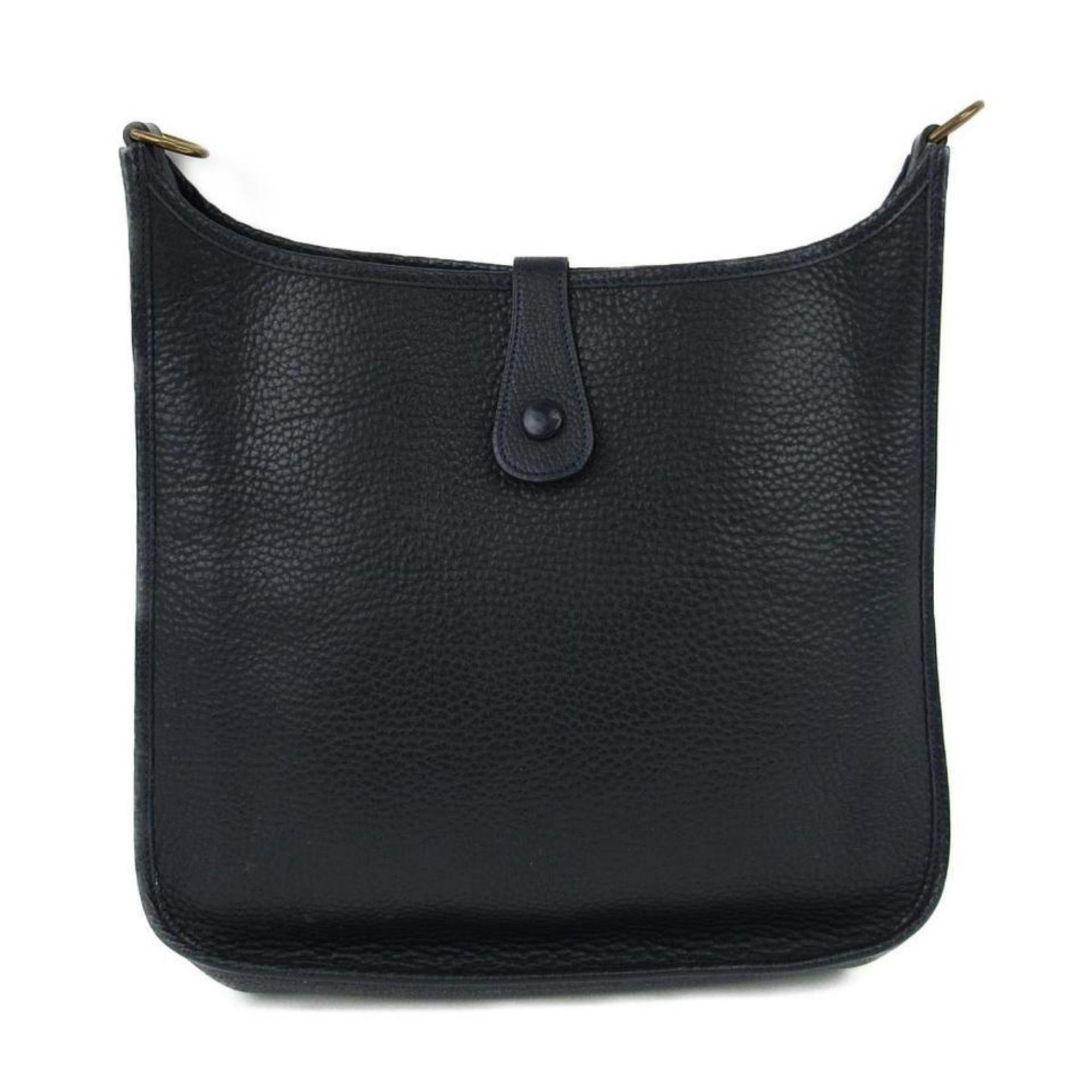 9aec18cdd27d Hermès Evelyne Navy Togo Gm 868787 Blue Leather Messenger Bag For Sale at  1stdibs