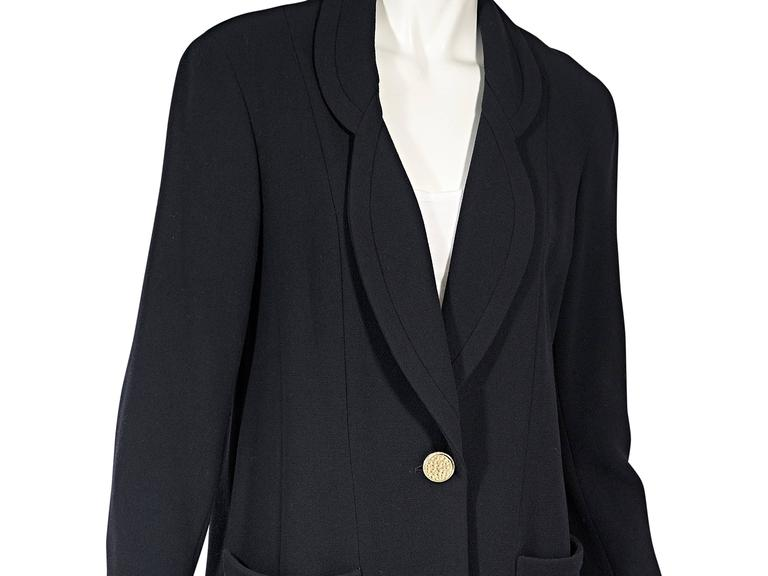 Navy Vintage Chanel Single Button Blazer In Good Condition For Sale In New York, NY