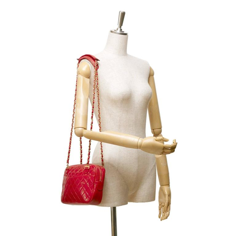 Red Chanel Quilted Lambskin Shoulder Bag For Sale 1
