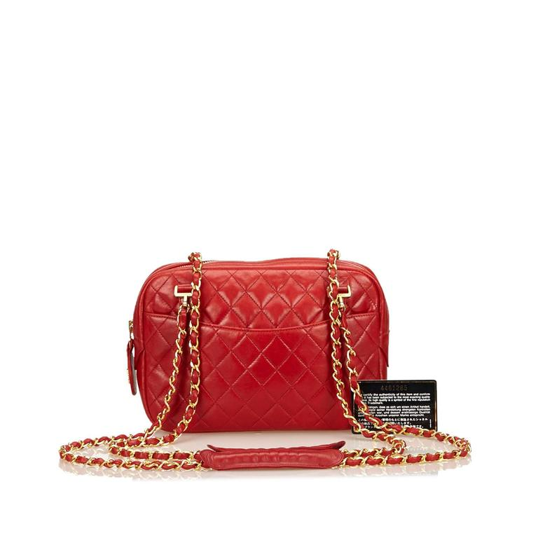 Red Chanel Quilted Lambskin Shoulder Bag For Sale 2