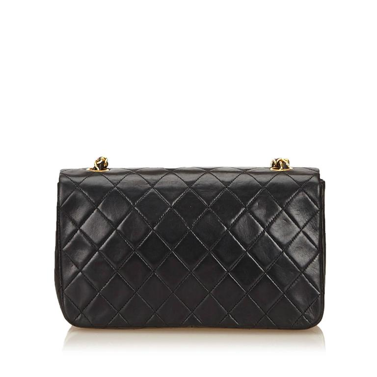 Black Chanel Quilted Lambskin Flap Bag In Good Condition For Sale In New York, NY