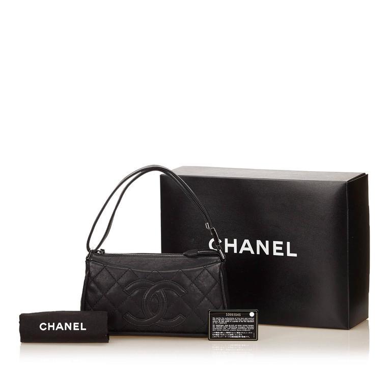 Black Chanel Quilted Leather Shoulder Bag 6