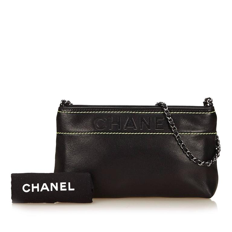 Black Chanel Leather Shoulder Bag 6