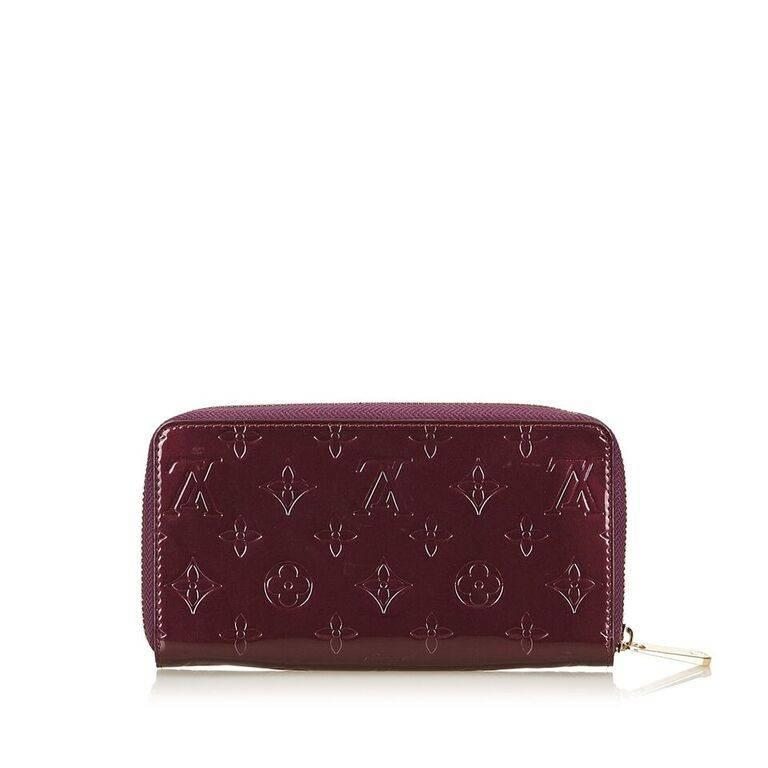 5a9e599a2009 Product details  Purple embossed vernis leather Zippy wallet by Louis  Vuitton. Zip-around. Black Louis Vuitton Purple Vernis Zippy Wallet For Sale