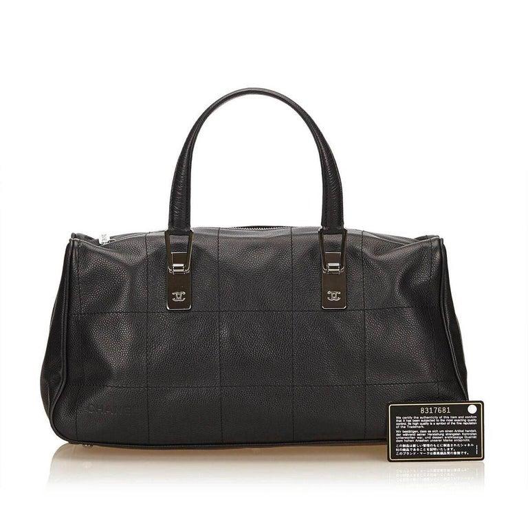 Black Chanel Caviar Leather Handbag For Sale 4