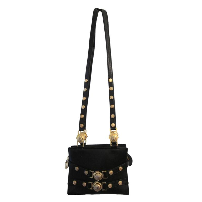1cacbe7bb2 Gianni Versace Couture Black Gold Medusa Chain Mini bag For Sale at 1stdibs