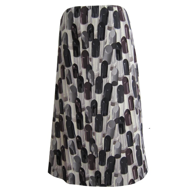 Prada grey black tone lipstick print silk base skirt from ss 2000 collection. Rare & Collectable.  Size : 38 (IT) Measurements : Waist : 70 cm Length : 57 cm