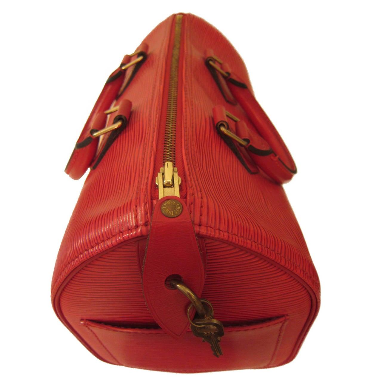 Louis Vuitton Speedy 30 Epi Red In Excellent Condition For Sale In Berlin, DE