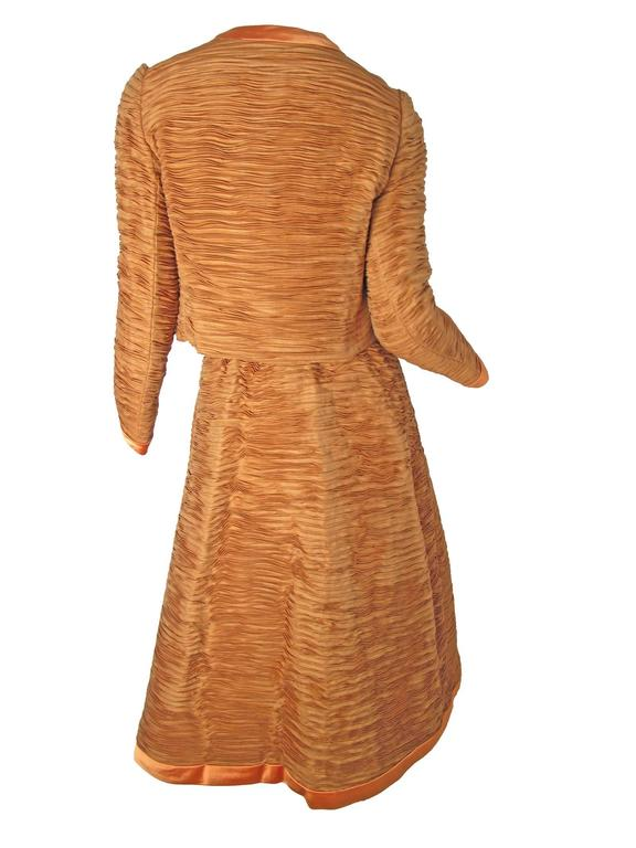 Sybil Connolly Irish Linen Pleated Suit, 1960s  In Excellent Condition For Sale In Austin, TX