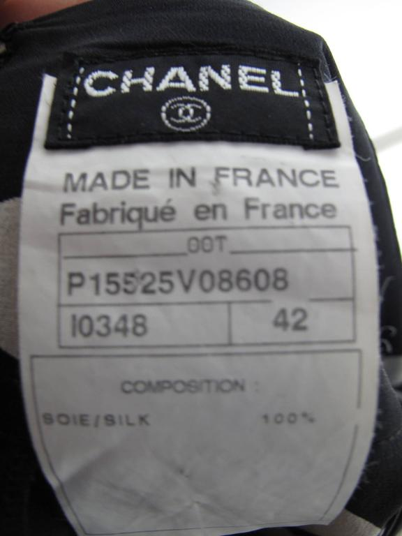 Chanel Silk Pleated Printed Skirt  In Good Condition For Sale In Austin, TX