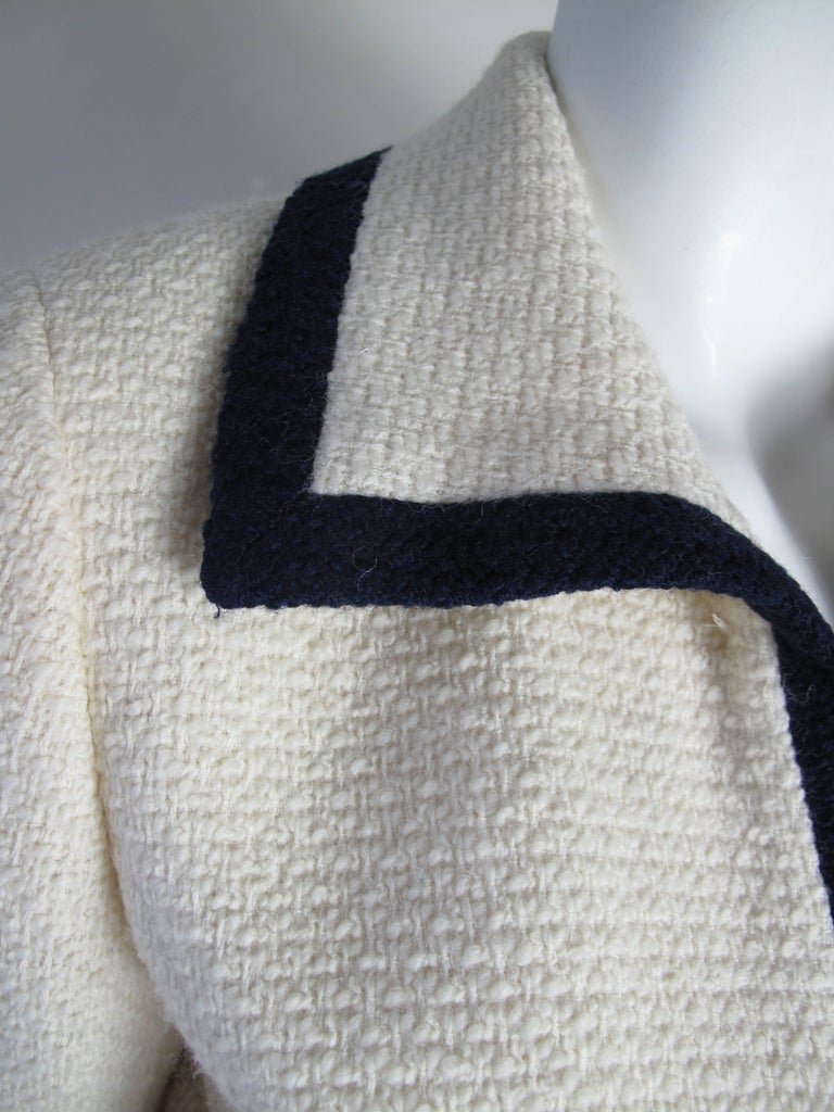 """1991 Chanel Off White Blazer with Navy Trim """"CC"""" Buttons In Good Condition For Sale In Austin, TX"""