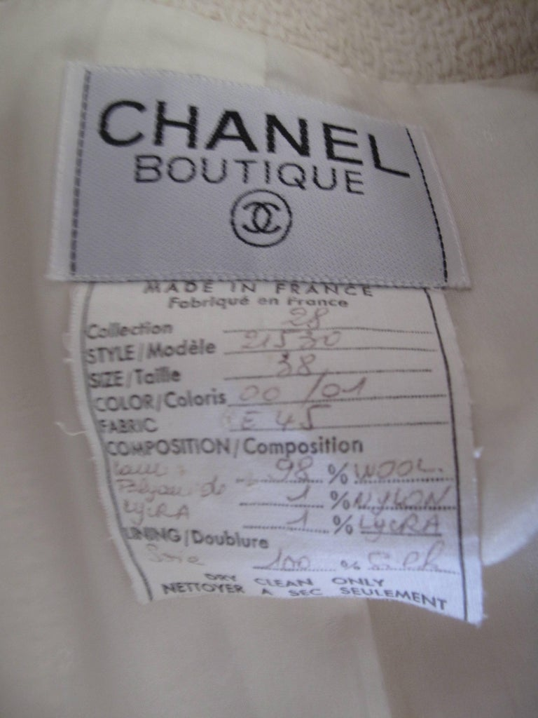 """Gray 1991 Chanel Off White Blazer with Navy Trim """"CC"""" Buttons For Sale"""