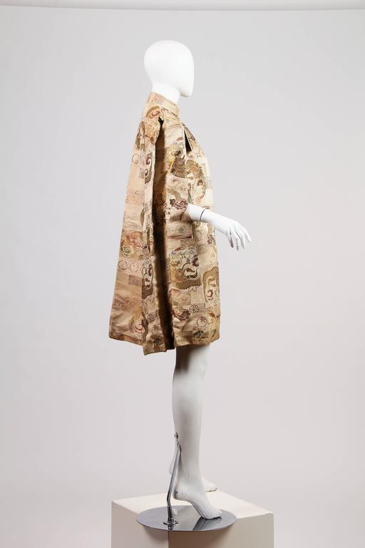 1940s Cape made from Antique Japanese Fabric with Dragons In Excellent Condition For Sale In New York, NY
