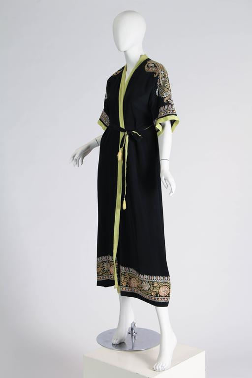 1930s Paisley embroidered Silk Robe Wrap Dress In Excellent Condition For Sale In New York, NY