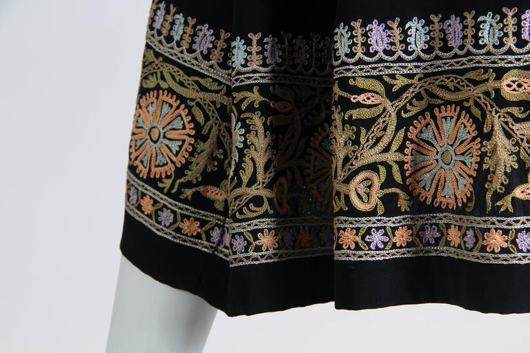 1930s Paisley embroidered Silk Robe Wrap Dress For Sale 2