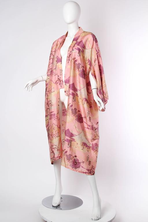 Gorgeous 1920s Boudoir Kimono with Japanese Ladies Playing Instruments In Excellent Condition For Sale In New York, NY