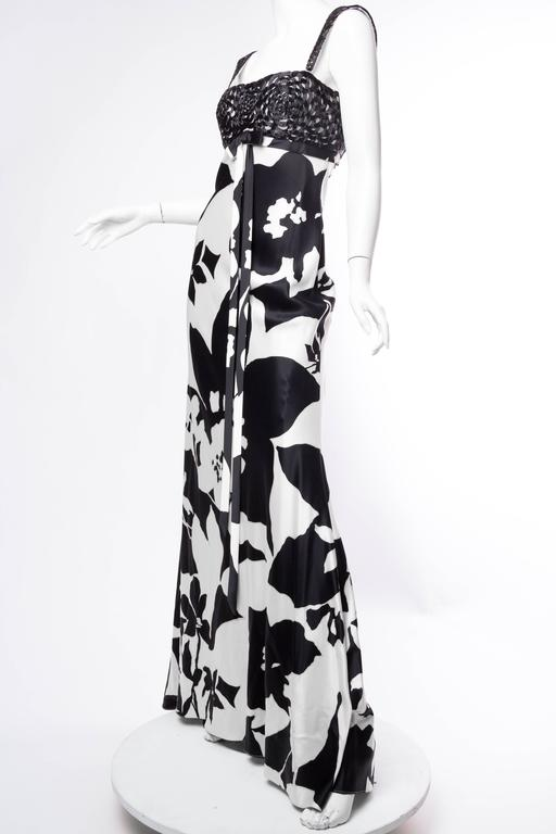Floral Bias Cut Naeem Khan Beaded Gown  For Sale 2