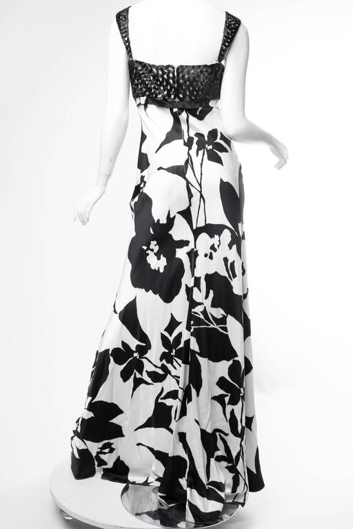 Floral Bias Cut Naeem Khan Beaded Gown  For Sale 4