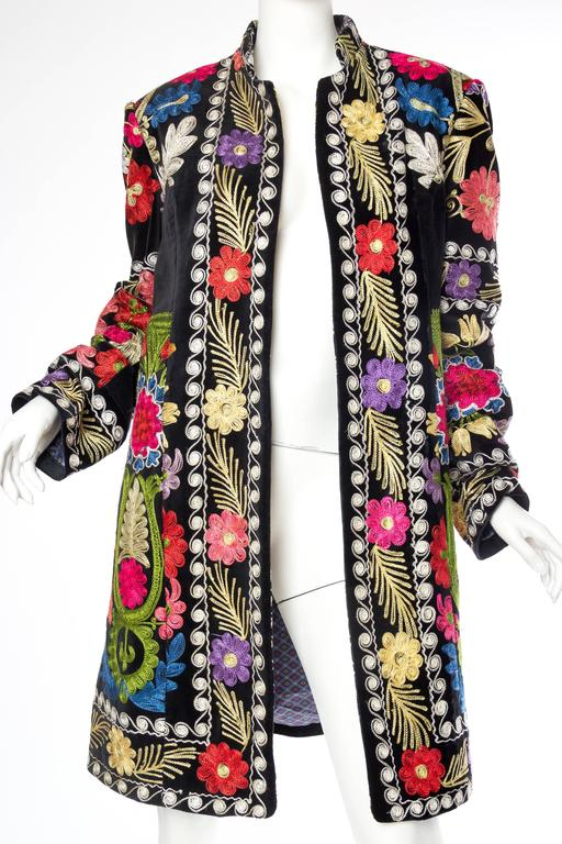 This awesome jacket conjures up images of Swinging London's Carnaby street in the 1960s. Musicians such as Jimmi Hendrix, The Rolling Stones and The Beatles were just a few of the revolutionaries influencing the way people dress at the time.