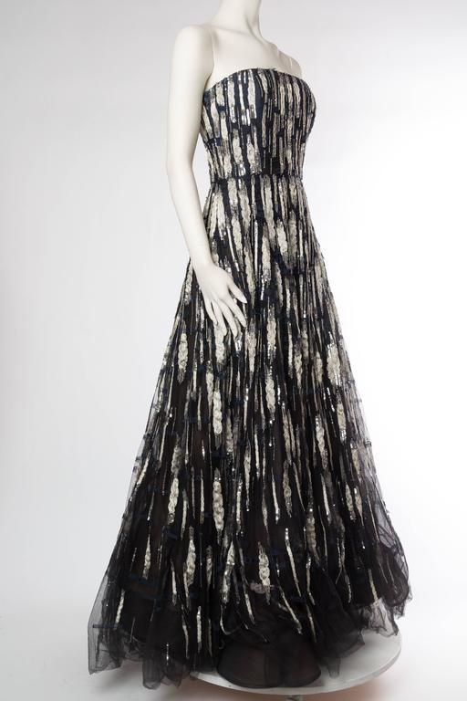 Black Oscar De La Renta Beaded Tulle Gown For Sale